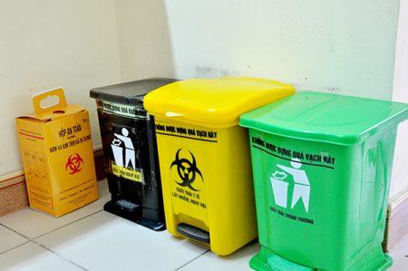 quản lý chất thải y tế nhân viên thu gom