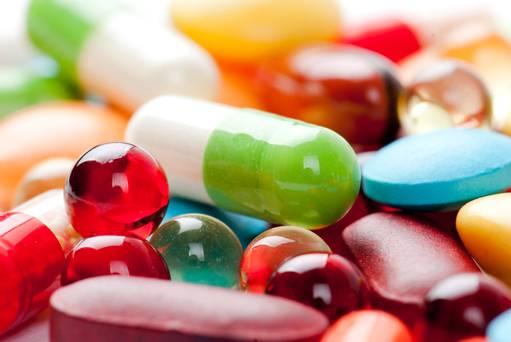 Công văn 16048/QLD-ĐK đính chính danh mục nguyên liệu làm thuốc nhập khẩu không yêu cầu giấy phép nhập khẩu